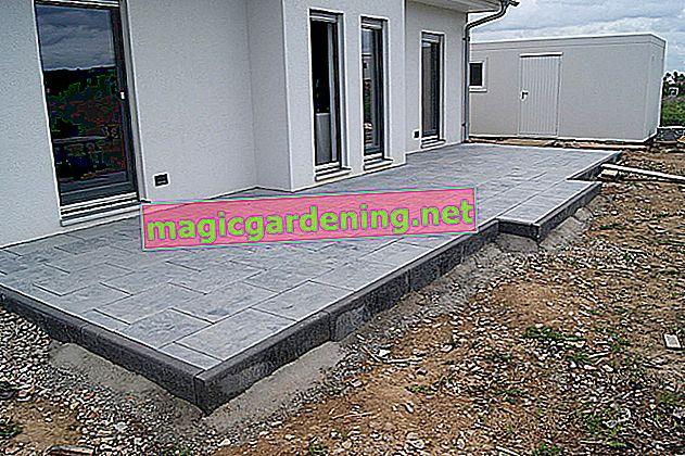Lay garden slabs correctly